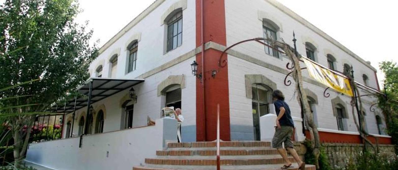 El mal estado de la cubierta del Casino fuerza otra obra municipal en la Gerencia
