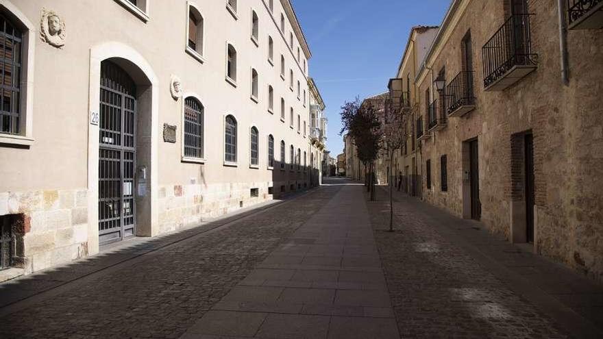 La rua de los Francos, completamente vacía durante el confinamiento.