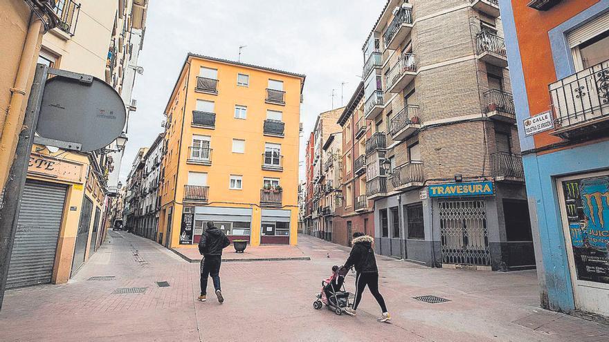 Urbanismo ya ha inspeccionado el edificio de Pignatelli incendiado y requiere a otro bloque que ejecute mejoras