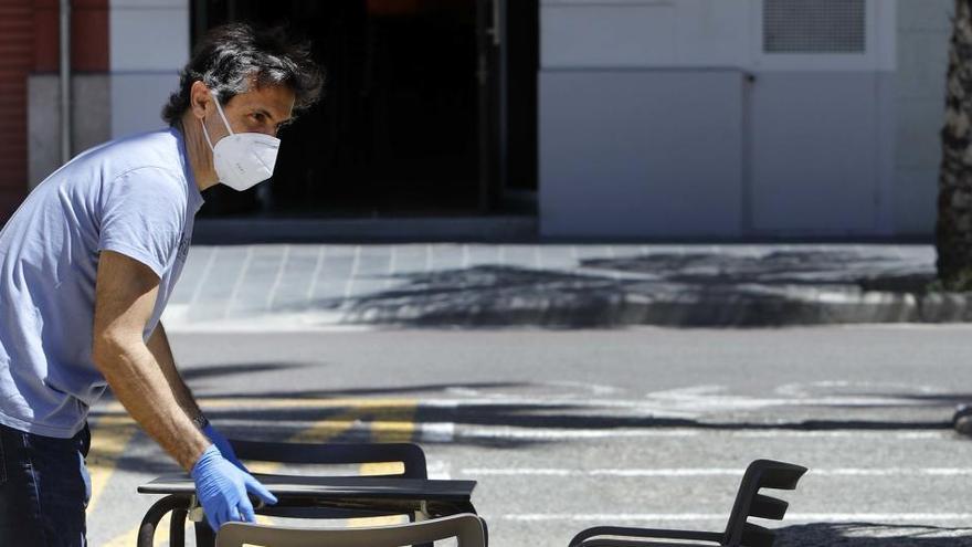 La pandemia destruye tres veces más empleo en España que en la UE