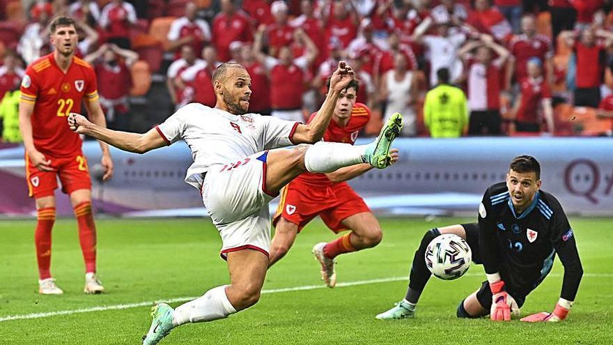 Dinamarca i Itàlia són els primers classificats per als quarts de final