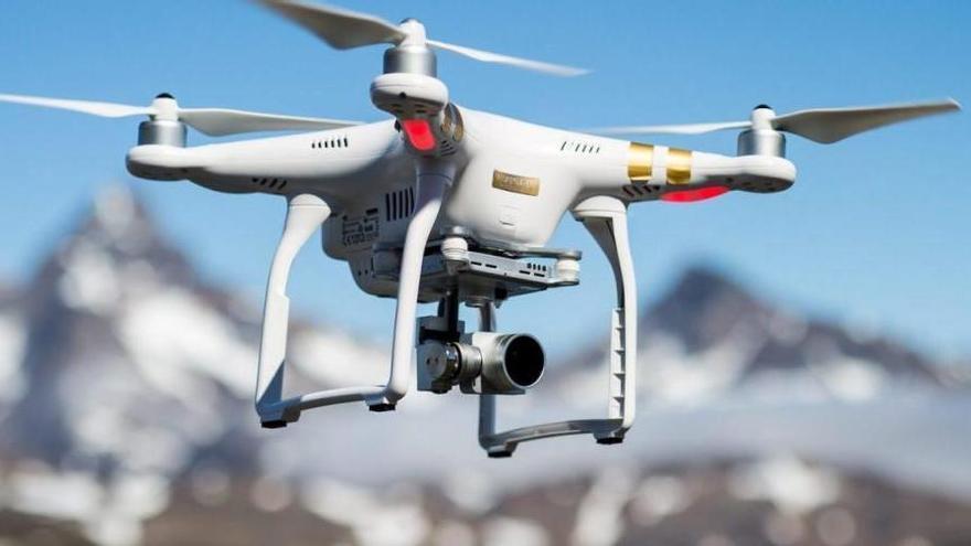 Amazon ja té permís per fer entregues amb drons als EUA