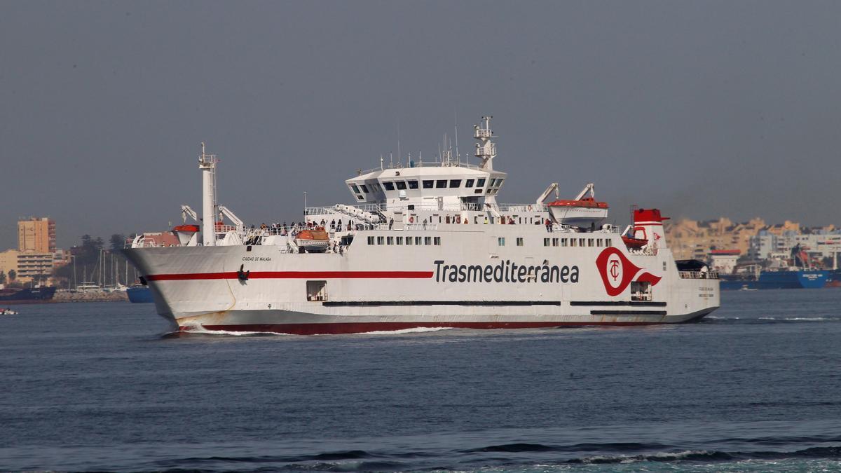 Vista del ferry que ha transportado hasta Algeciras a viajeros españoles.