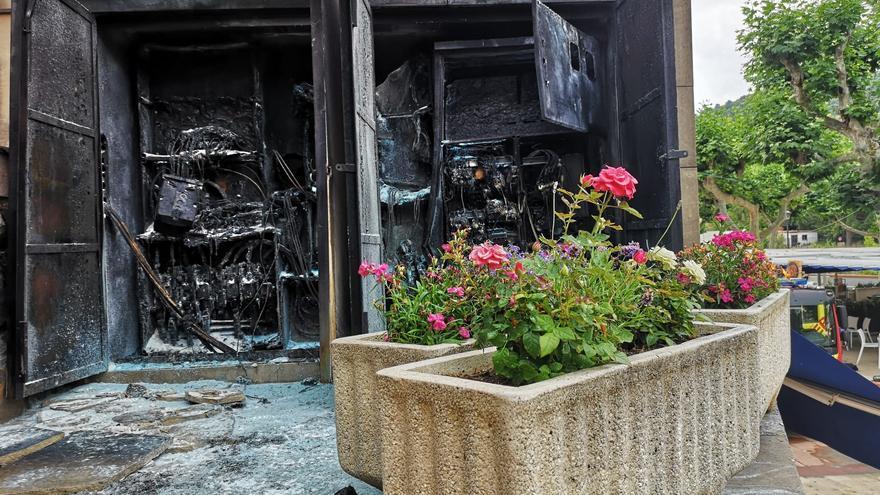 ÚLTIMA HORA: Desalojo en les Coves de la Vall por el incendio de un transformador eléctrico