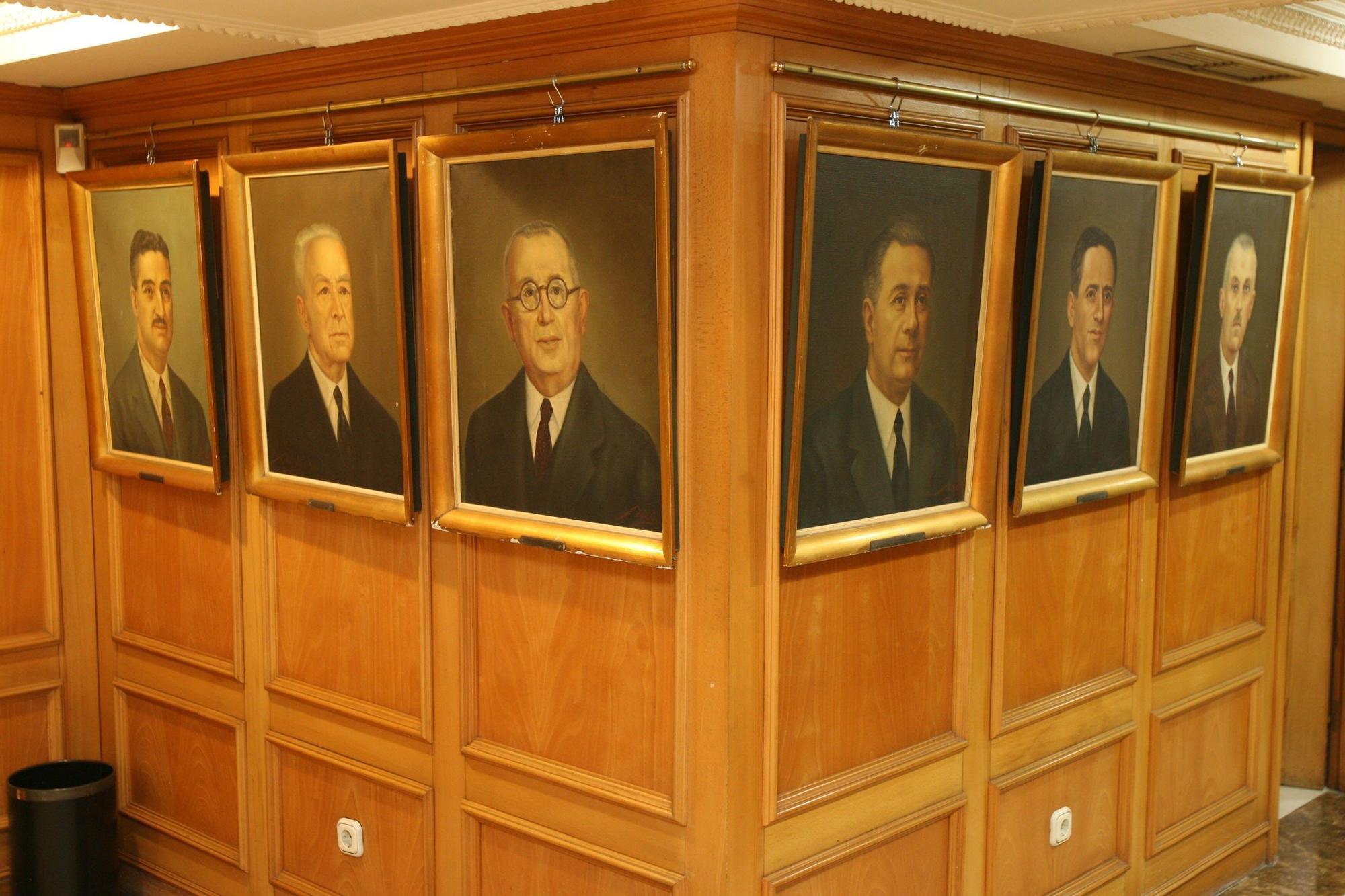 Exposición con retratos de antiguos presidentes del Círculo en 2011_J de Arcos.jpg