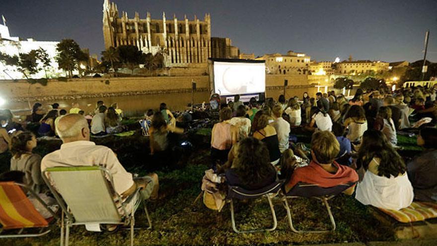 El Cinema a la fresca arranca en Palma el 14 de julio con la Bella y la Bestia