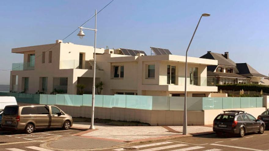 Esta es la casa más cara de Salinas: 2.250.000 euros en pleno paseo de la playa