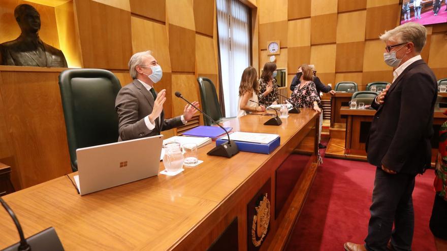 La izquierda carga contra Azcón por la contratación de una exasesora del PP para un empleo público