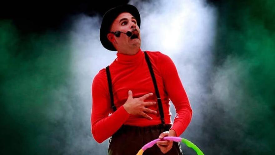 Espectáculo de clown y circo en el Espacio La Granja con Yiyolo Stratto