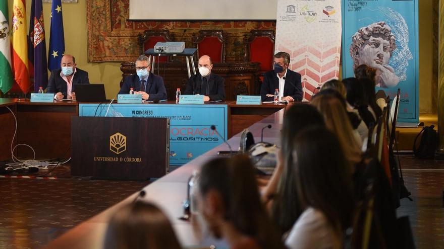 Más de 240 expertos de todo el mundo debaten sobre inteligencia artificial y otros retos del mundo actual