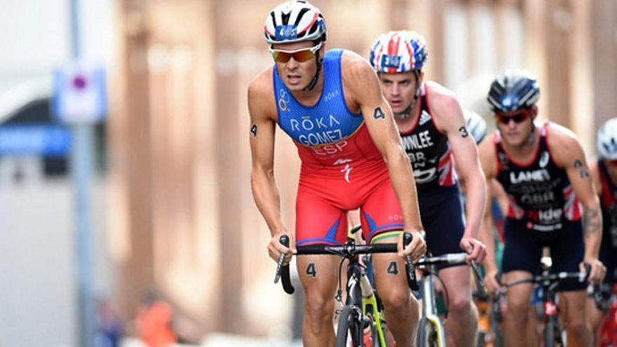 Arbeloa gana la puja por la bicicleta de Gómez Noya