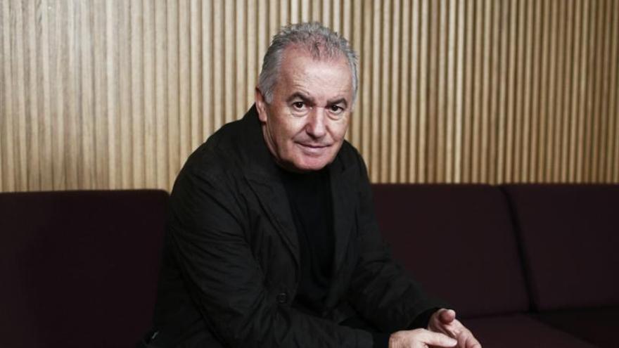 Víctor Manuel anuncia su primer disco de canciones originales en una década
