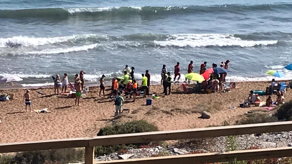 Muere un hombre de 50 años en la playa Amarilla de Águilas
