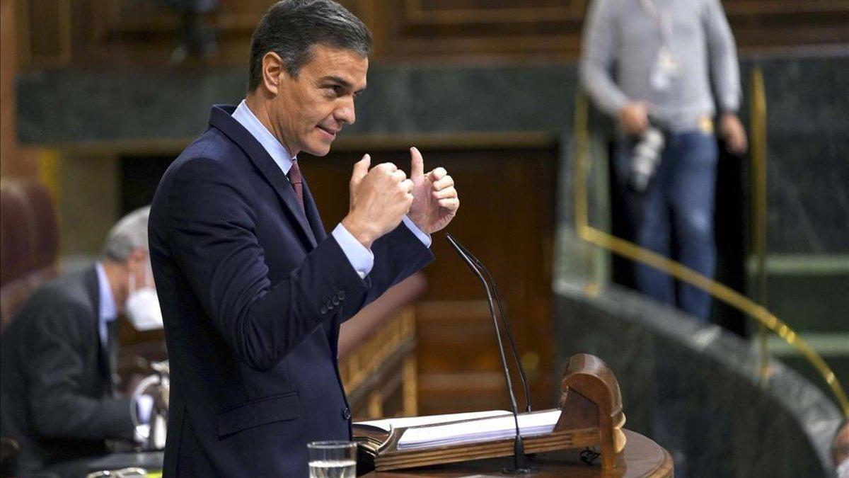 """Sánchez opone su gestión al proyecto de """"odio"""" de Abascal y pide a Casado que rompa con él"""