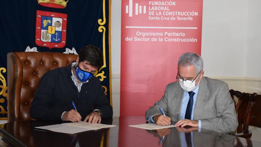 El Ayuntamiento firma un convenio para formar a profesionales de la construcción de Santiago del Teide