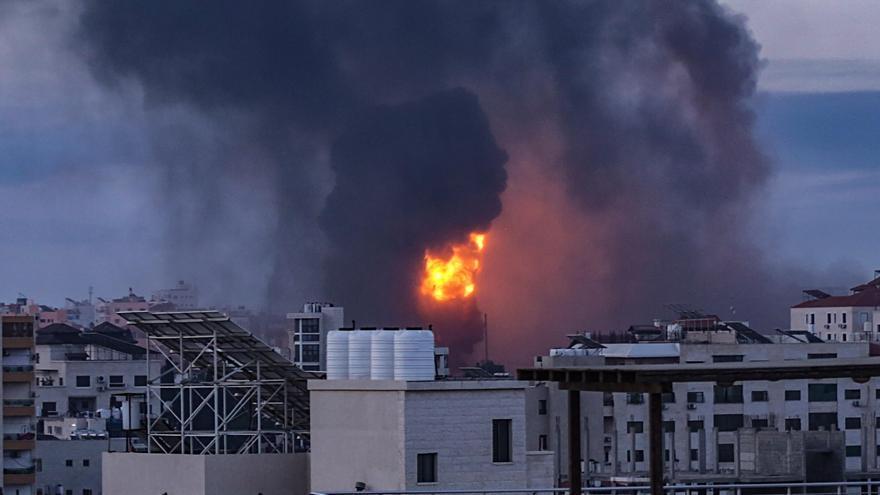 """Israel anuncia """"el golpe más grande"""" a Hamás tras el lanzamiento masivo de cohetes desde la franja"""
