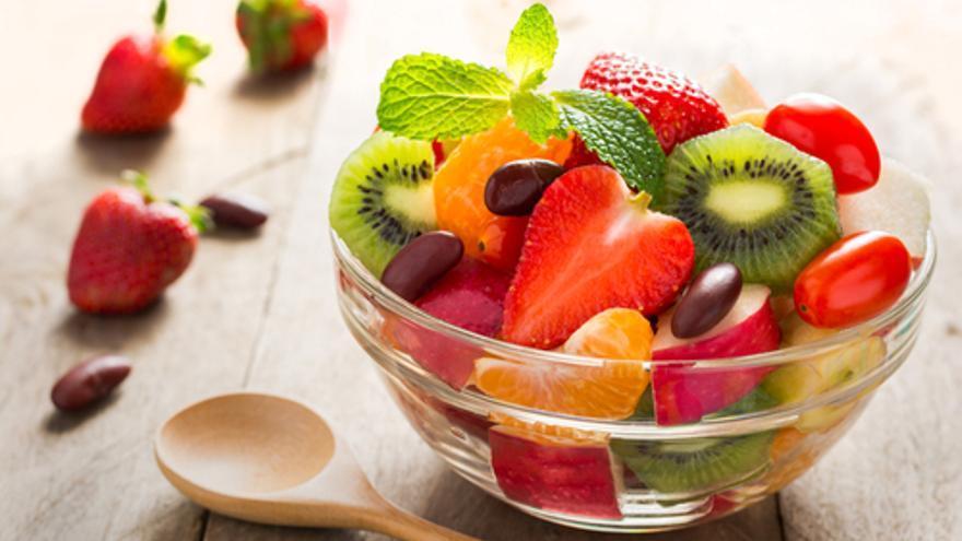 Ensalada de naranjas, kiwi y fresas