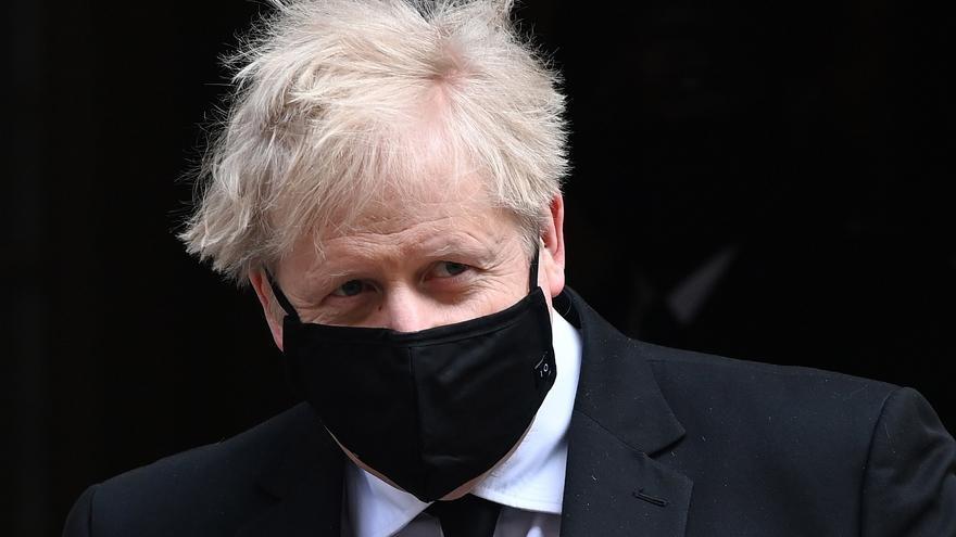 Un exasesor de Boris Johnson le acusa de irregularidades en su gestión