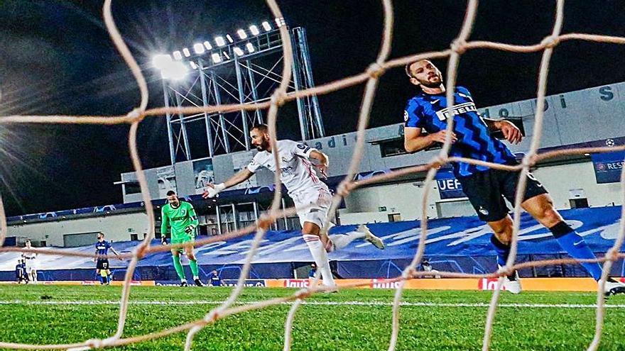 El Madrid sobrevive al Inter y coge aire