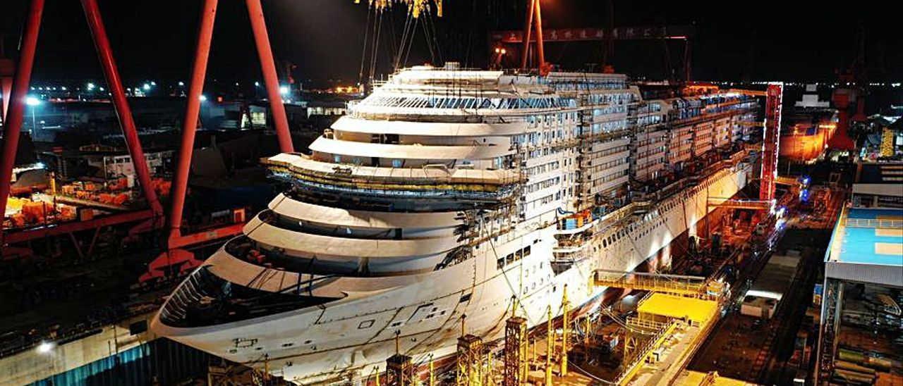 El crucero, en el astillero Shanghai Waigaoqiao.     // SWS/CSSC