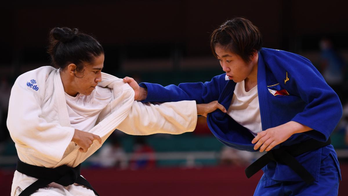 Cristina Cabaña, ante la filipina Kiyomi Watanabe.