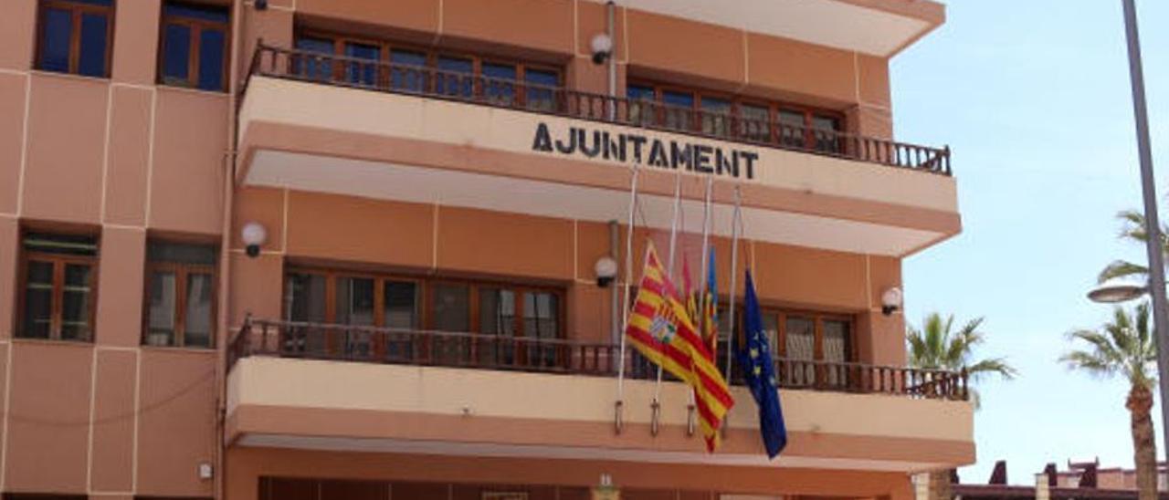 El Ayuntamiento de El Campello.