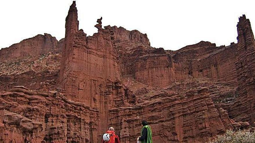 Miembros del Grupo Cimas escalan en Utah y Nevada