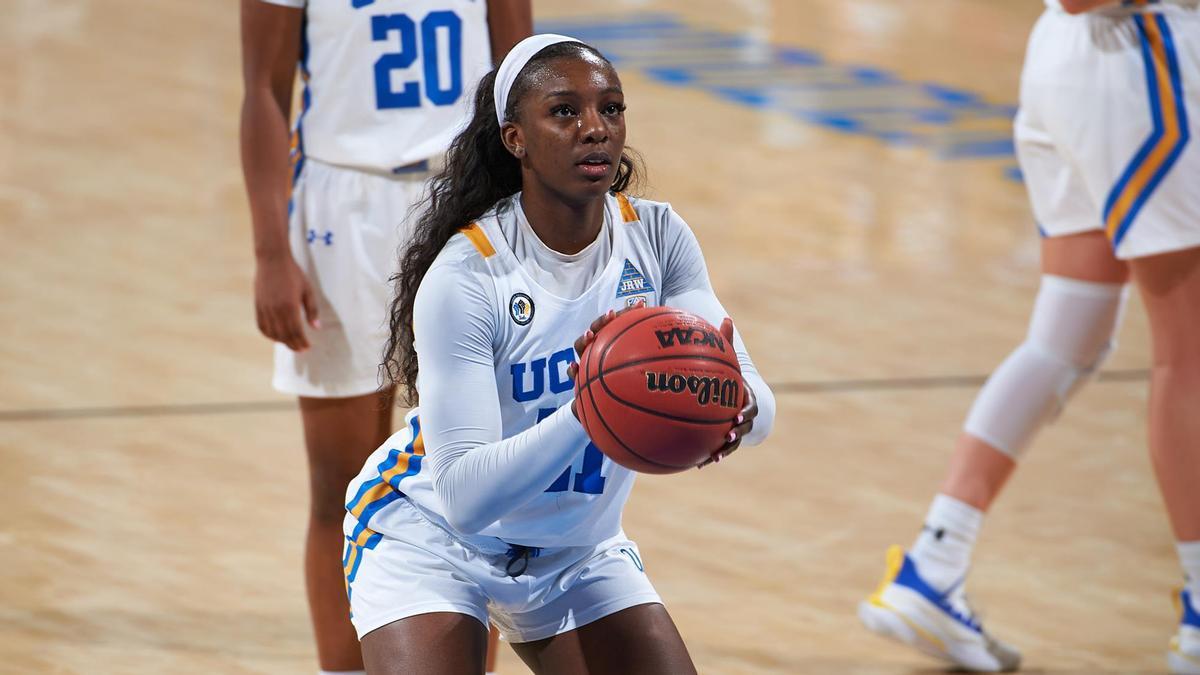 Michaela Onyenwere, en la seva etapa de la formació a la UCLA