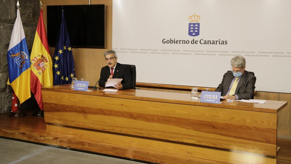 Román Rodríguez y Julio Pérez (d).