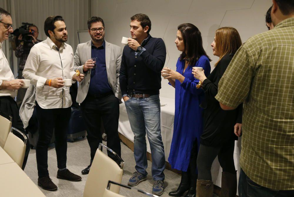 RIVERA PRESIDE REUNIÓN DEL COMITÉ DE CAMPAÑA ...