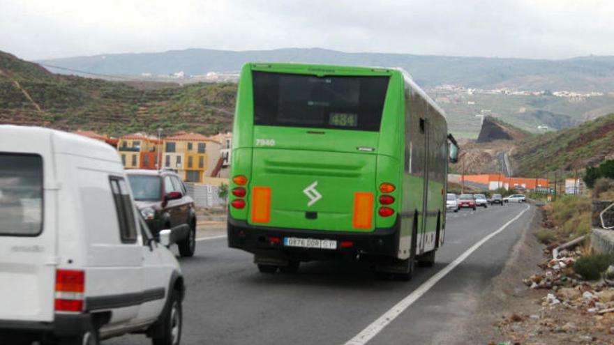 Titsa refuerza sus servicios para el festival 'Canarias Baila' y el concierto de Juanes en Garachico
