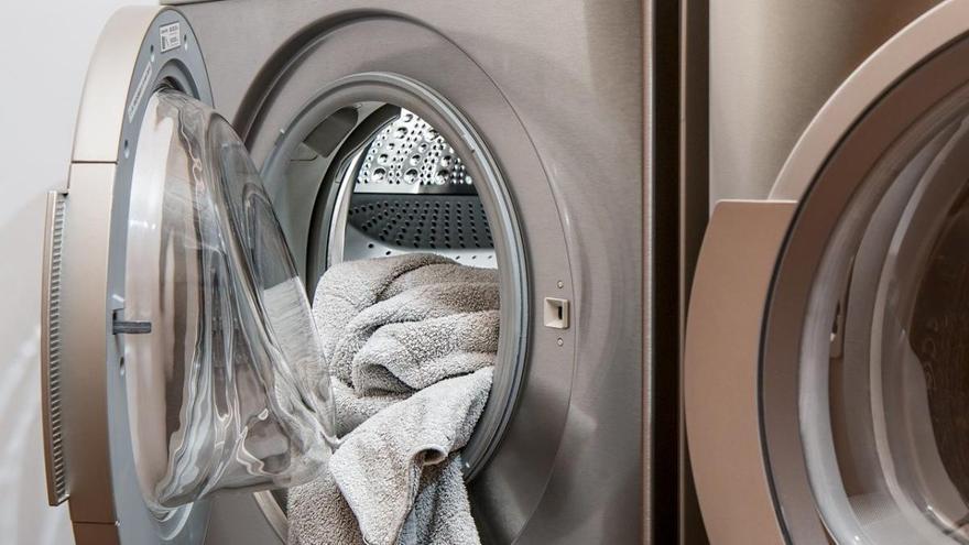 El gesto que haces sin darte cuenta y que estropea tu lavadora con costosas averías