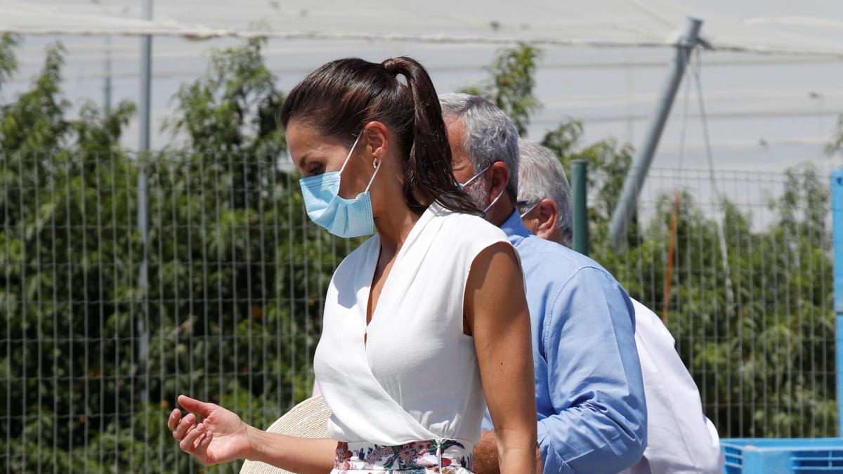 Doña Letizia, con su conjunto más romántico, conquista Murcia