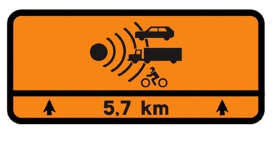La nueva señal naranja de la DGT que empezarás a ver en las carreteras convencionales