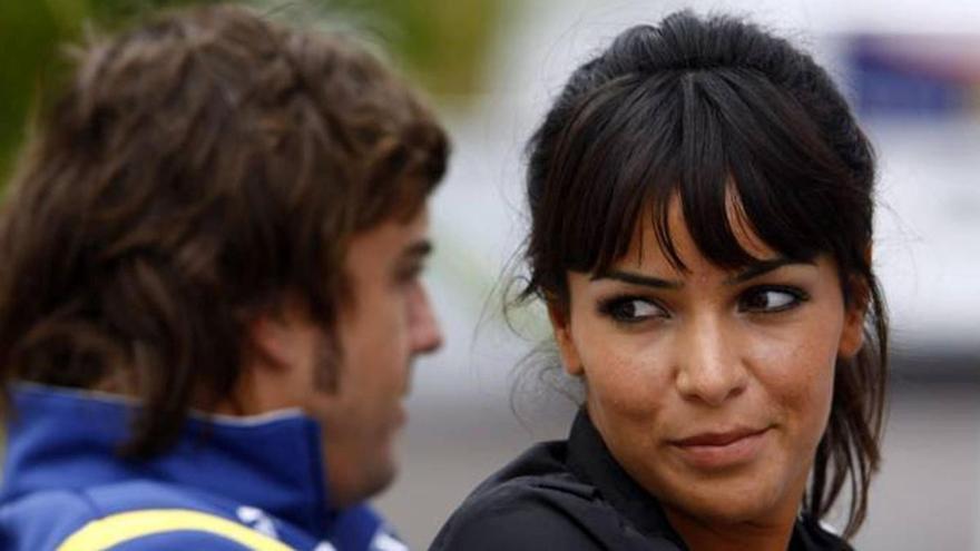 Fernando Alonso apoya a Raquel del Rosario en el peor momento de su vida