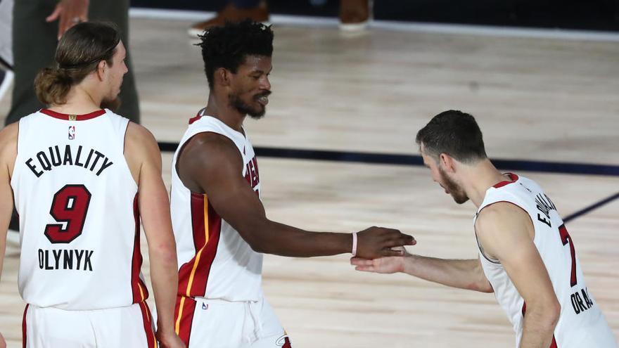 Los Heat ponen a los Bucks contra las cuerdas y los Rockets pasan a semifinales