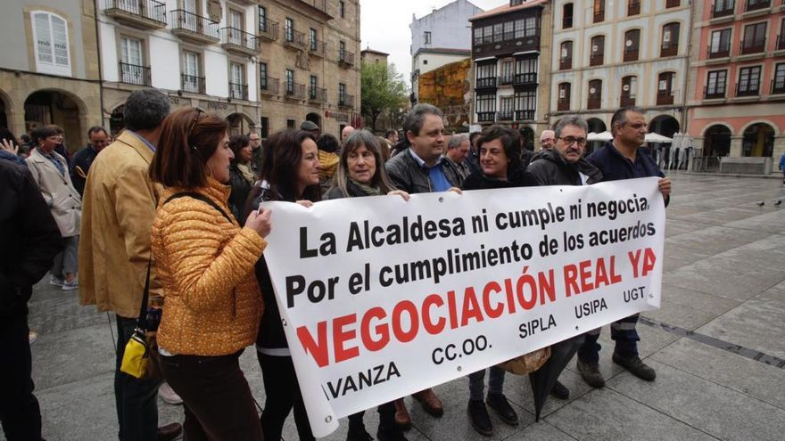 Los sindicatos municipales vuelven a concentrarse en Avilés