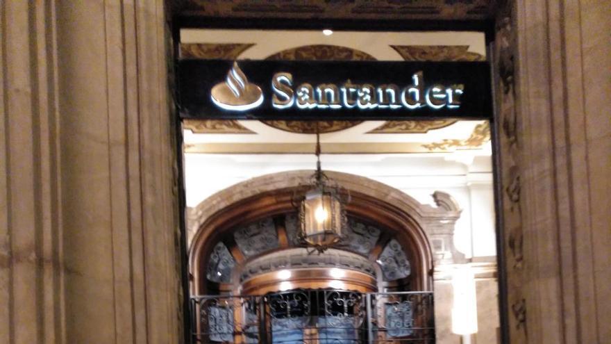Aprobado el ERE del Santander que cerrará 29 oficinas