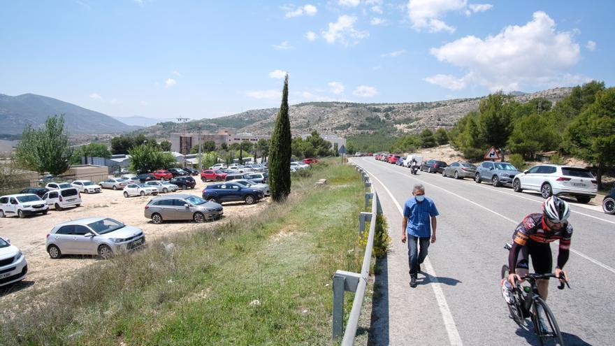El Consell retoma la creación de un parking frente al  hospital de Elda
