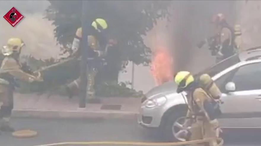 Los bomberos apagan un fuego en una casa ocupada de l'Alfas