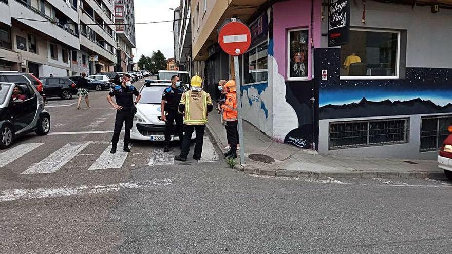Falsa alarma de escape de gas en la calle Ferrol que hizo salir a los vecinos de sus viviendas
