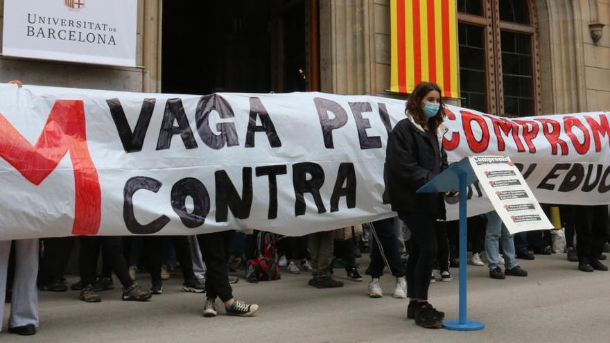 Els estudiants aixequen l'ocupació del rectorat de la UB i convoquen una jornada de vaga per al 13 de maig
