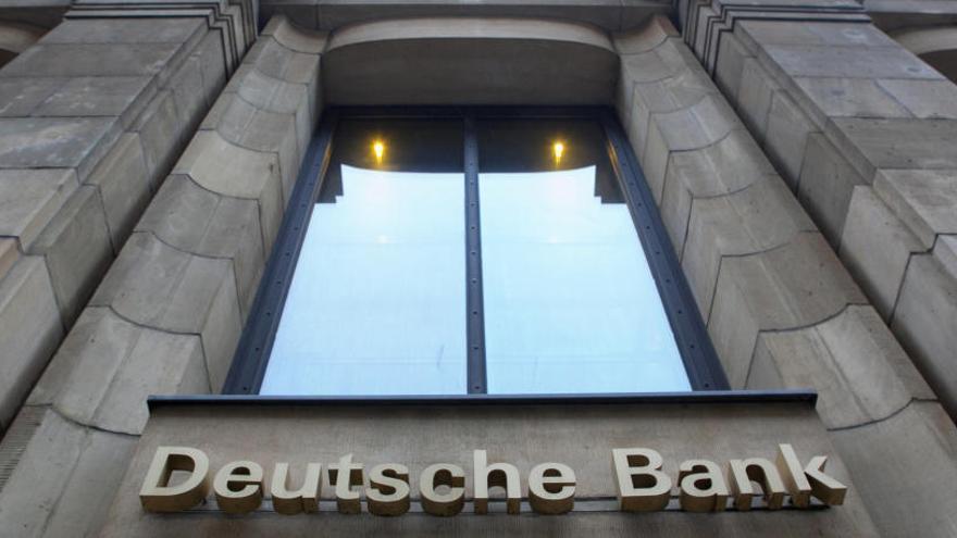 Registran instalaciones de Deutsche Bank por presunto lavado de dinero