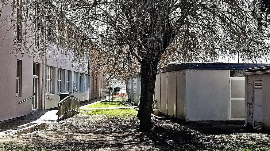El colegio Valle Inclán deja de usar los barracones como comedor tras tres lustros