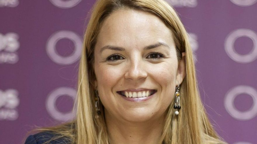 "Santana: ""Canarias pasará de un modelo de ayuditas a otro de derechos sociales"""