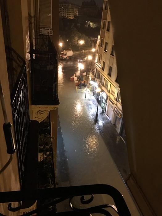 La calle Ángel Guimerá, inundada