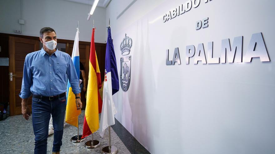 """Sánchez en La Palma: """"Todos los recursos del Estado están a su disposición"""""""