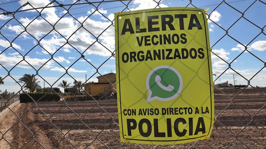 Un centenar de colectivos del Camp d'Elx crea una plataforma para poner fin a robos y hurtos