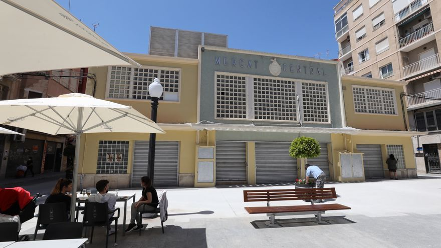Aparcisa lleva al Ayuntamiento al juzgado por zanjar sin motivo la concesión sobre el Mercado