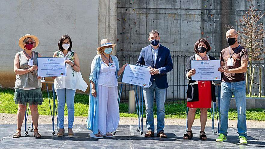 El grupo teatral Disfunción Continua actuó ayer en la conmemoración de los 21 años de Fegatea
